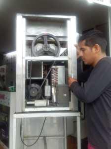mantenimiento de maquinas de dos sabores